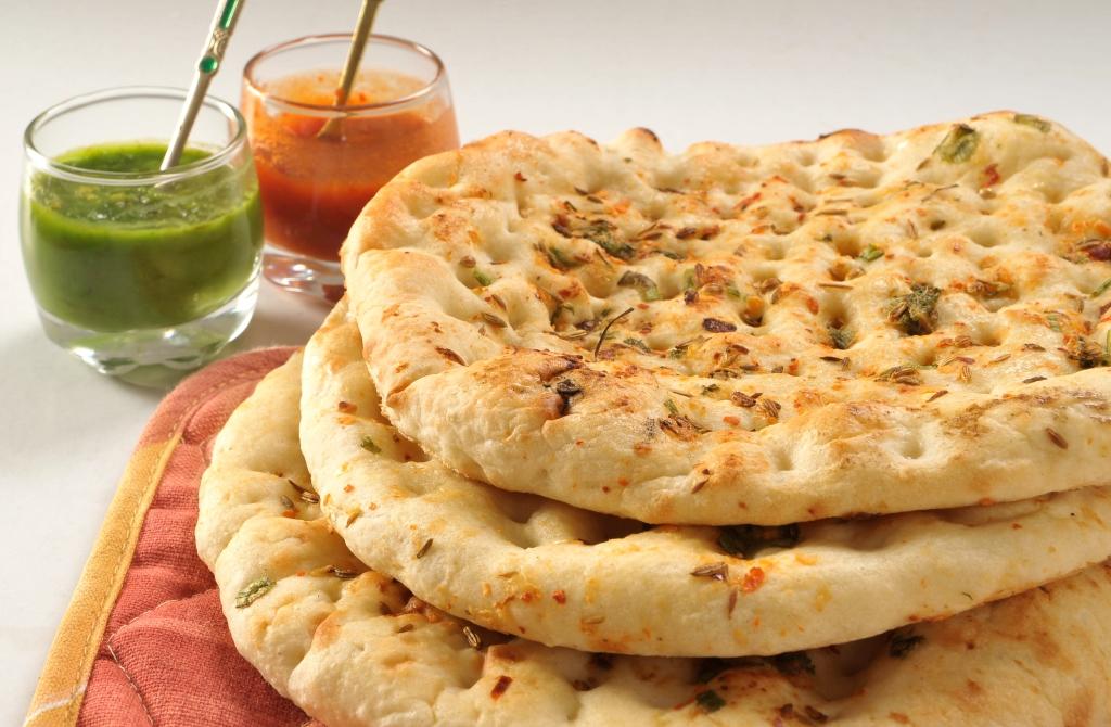 طريقة عمل خبز النان الهندى بالثوم
