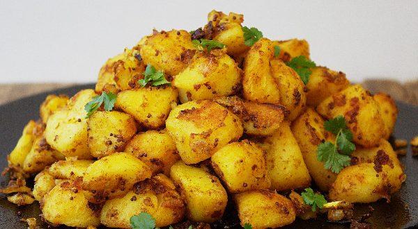 طريقة عمل البطاطس بالكاري الهندية