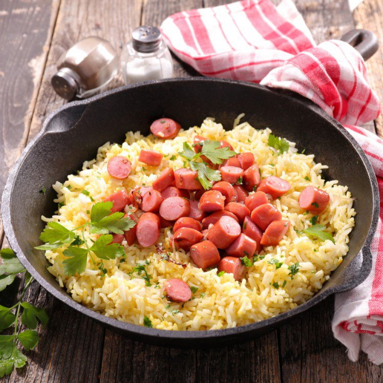 طريقة عمل أرز بالكريمة والسجق