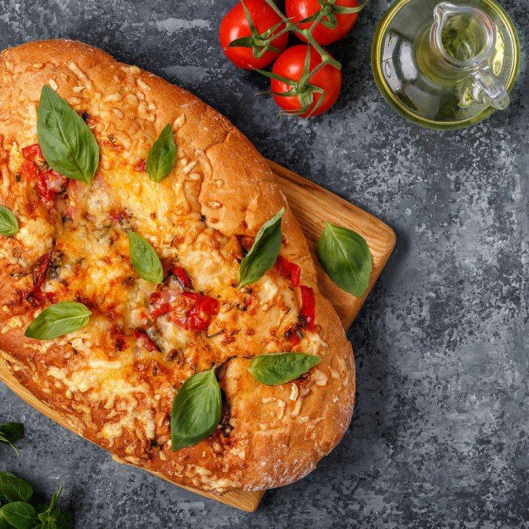 طريقة عمل الخبز الإيطالي بالطماطم